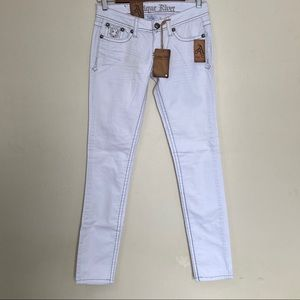 Antique Rivet Scarlette Skinny Frost White Stud 26